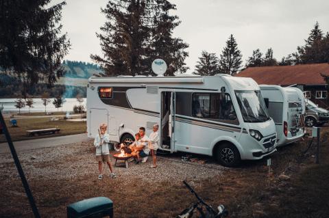 Camper am Lagerfeuer
